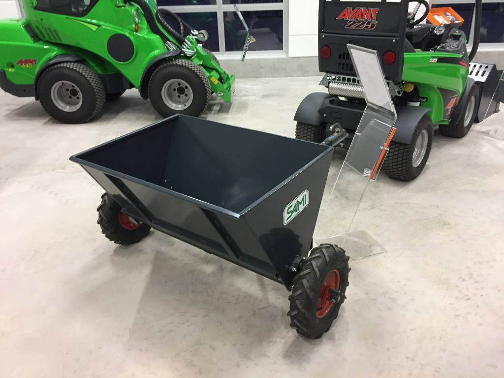 Sand Spreaders For Tractors : Sami s sand and salt spreaders id af e c