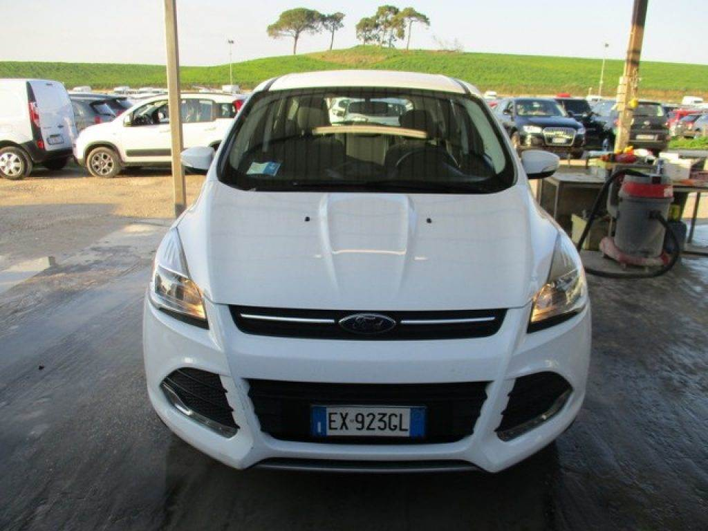 ford kuga occasion prix 15 250 voiture ford kuga vendre mascus france. Black Bedroom Furniture Sets. Home Design Ideas