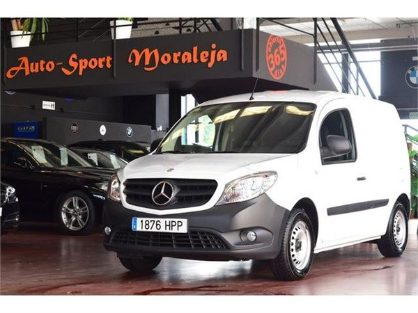 mercedes benz citan furgon 108cdi largo occasion prix 9 900 ann e d 39 immatriculation 2013. Black Bedroom Furniture Sets. Home Design Ideas