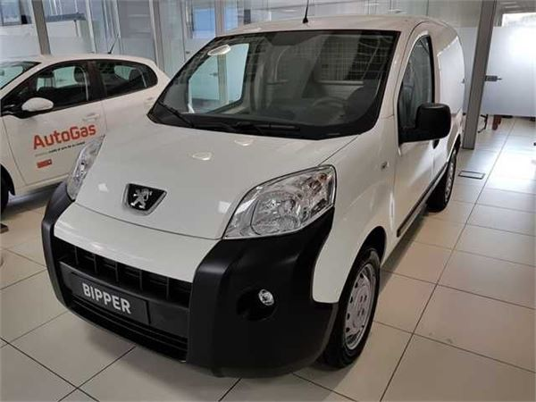 peugeot bipper 1 3 hdi 75cv occasion prix 9 490 ann e d 39 immatriculation 2017 utilitaire. Black Bedroom Furniture Sets. Home Design Ideas