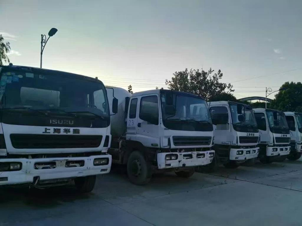 isuzu 8cbm 10cbm 7cbm transit mixer ann e d 39 immatriculation 2008 camion malaxeur id. Black Bedroom Furniture Sets. Home Design Ideas