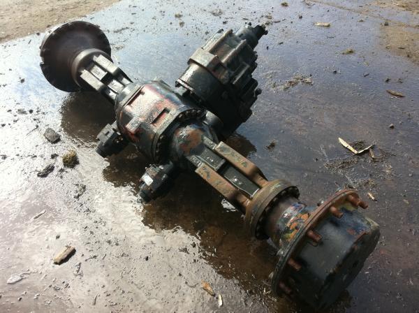 Forwarder Rear Axle : Used timberjack b rear axle and box lok transmission