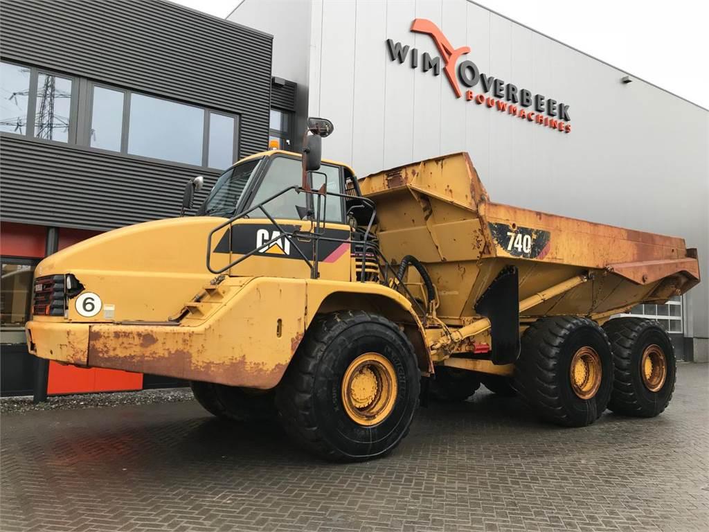 Caterpillar 740 ADT 6x6 Tailgate