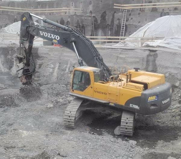 Used Volvo -ec-700-b-lc crawler excavators Year: 2006 for sale - Mascus USA