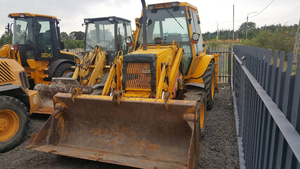 Case 580 k turbo backhoe loaders price 10 326 year for Avis e case construction