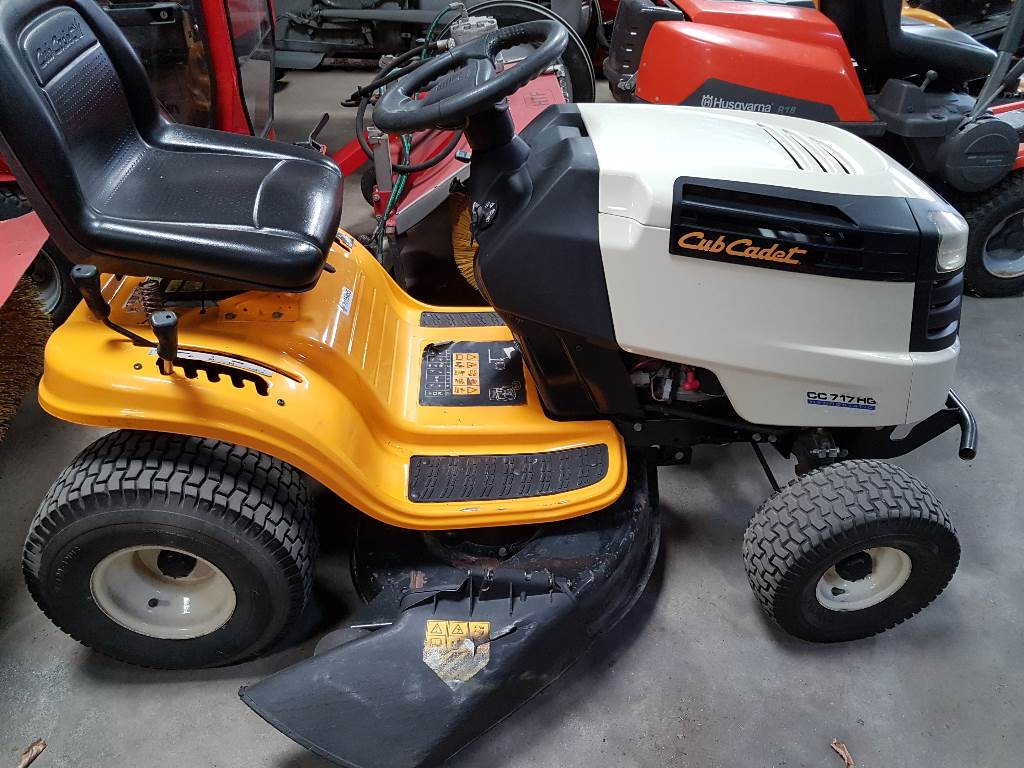 used cub cadet cc17gh riding mowers price 1 373 for sale mascus usa. Black Bedroom Furniture Sets. Home Design Ideas
