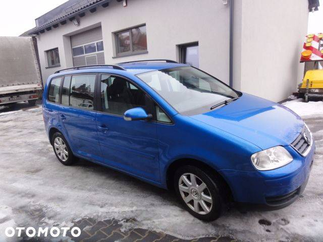 used volkswagen touran i 2005 240 000 km diesel cars year 2005 price 2 710 for sale mascus usa. Black Bedroom Furniture Sets. Home Design Ideas