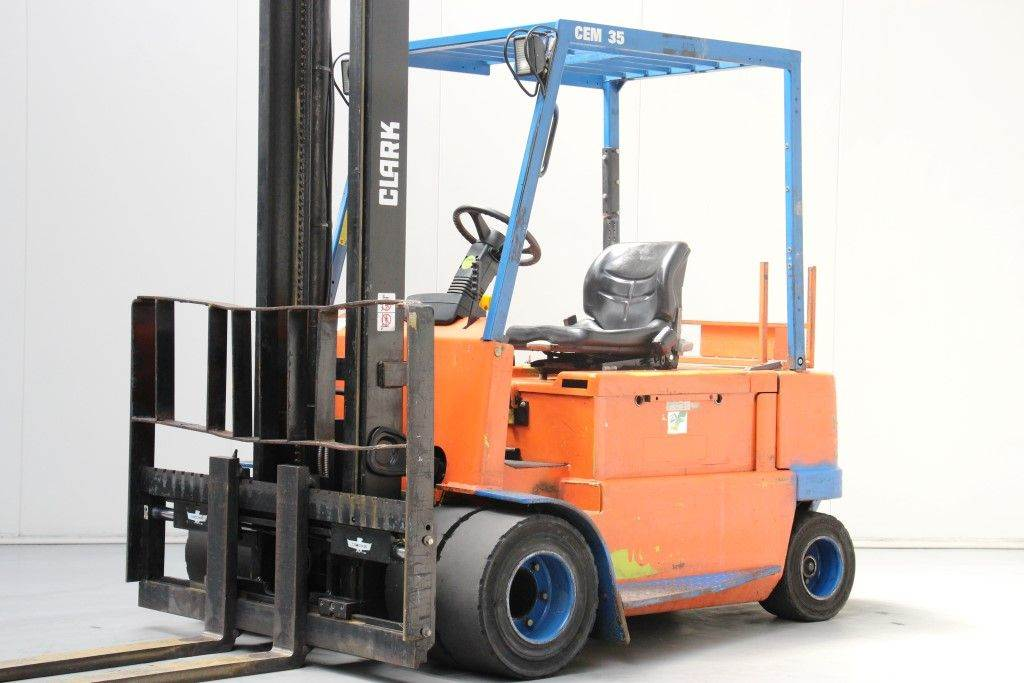 Used Clark Cem35 Electric Forklift Trucks Year 2001 For