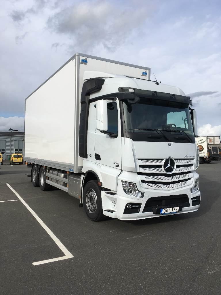 used mercedes benz actros 2551l box trucks year 2016 price 193 091 for sale mascus usa. Black Bedroom Furniture Sets. Home Design Ideas