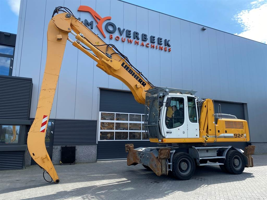 Liebherr A 924C Litronic with GM65