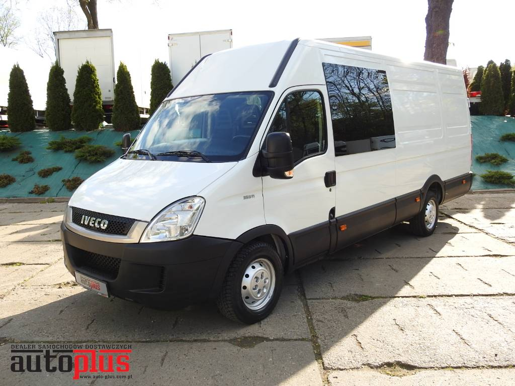 iveco daily 35s11 van 7 seats doublecabin preis baujahr 2010 lieferwagen gebraucht. Black Bedroom Furniture Sets. Home Design Ideas