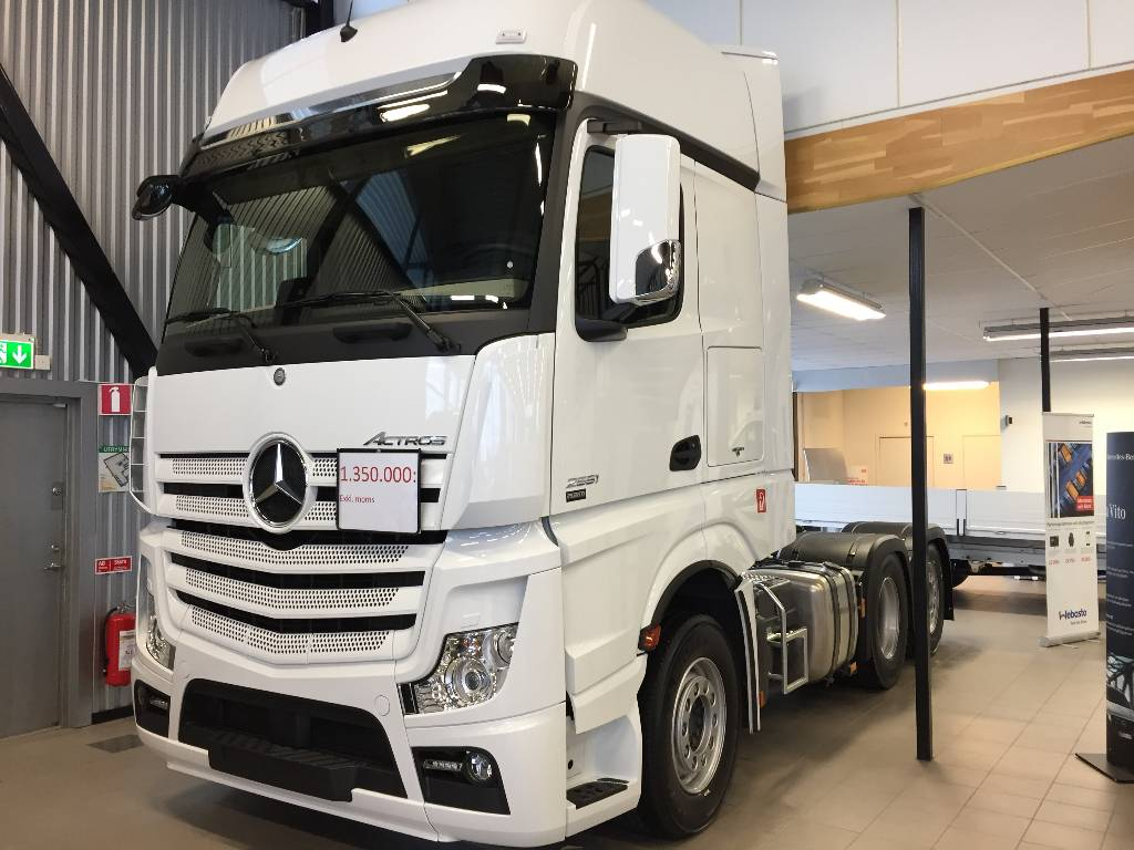 Used mercedes benz actros 2551ls norgedragare tractor for Mercedes benz astros
