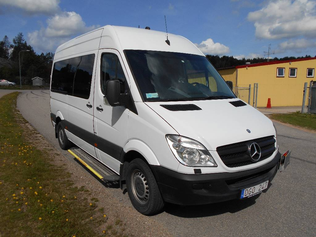 Mercedes benz 316 cdi 8platser lift 13 mini bus year for Mercedes benz financial phone number