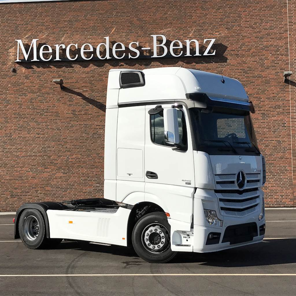 mercedes benz actros 1845ls startklar occasion ann e d 39 immatriculation 2016 tracteur routier. Black Bedroom Furniture Sets. Home Design Ideas