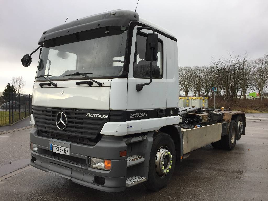 Used mercedes benz actros 2535 tow trucks wreckers year for Mercedes benz used vehicles