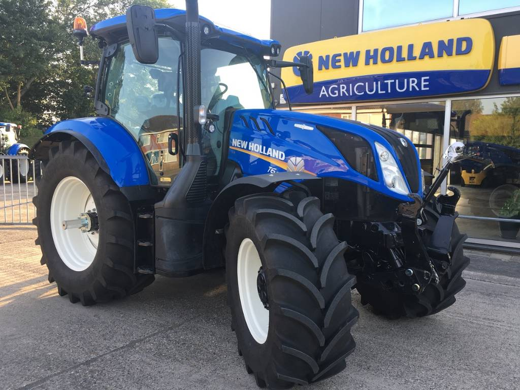 used new holland auto command demo tractors year 2016 for sale mascus usa. Black Bedroom Furniture Sets. Home Design Ideas