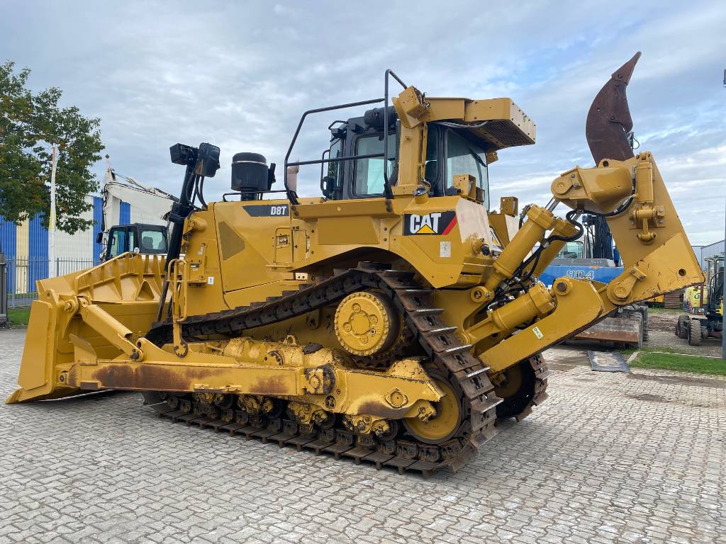 Caterpillar D8T  Factory CE 9850 Hours