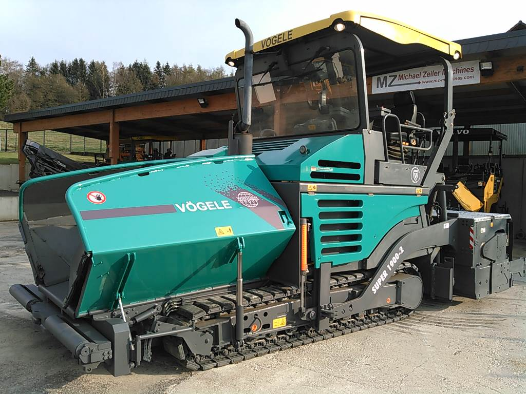 Used Vögele SUPER 1900-2 - 9.00 Meter asphalt pavers Year ...