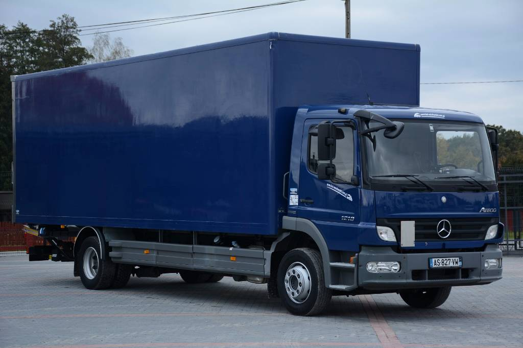 Mercedes benz atego 1218 van body trucks year of mnftr for Mercedes benz trucks for sale in south africa
