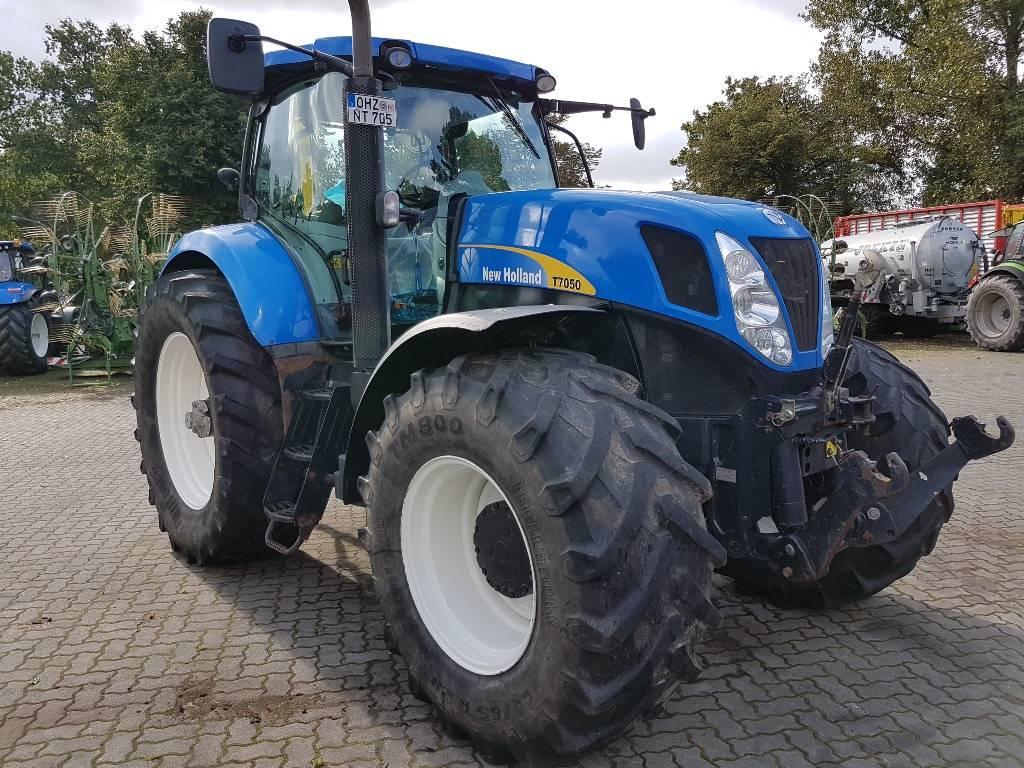 new holland t 7050 pc baujahr 2011 gebrauchte traktoren gebraucht kaufen und verkaufen bei. Black Bedroom Furniture Sets. Home Design Ideas