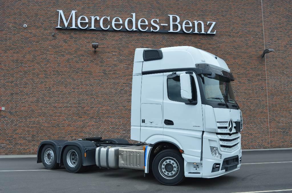 Used Mercedes Benz Actros 2551 Trailerdragare Tractor