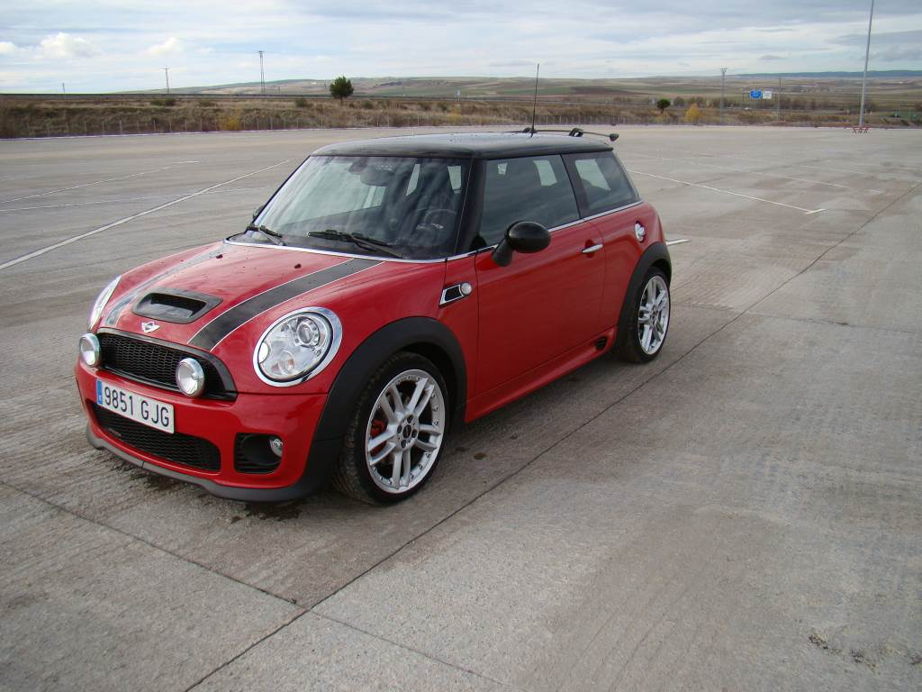 mini cooper s jcw occasion ann e d 39 immatriculation 2009 voiture mini cooper s jcw vendre. Black Bedroom Furniture Sets. Home Design Ideas
