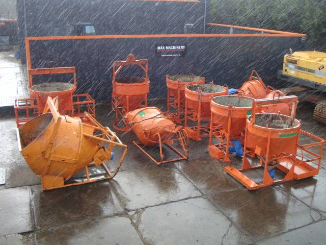 Concrete Pipeline Accessories : Used eichinger lifting concrete skips accessories