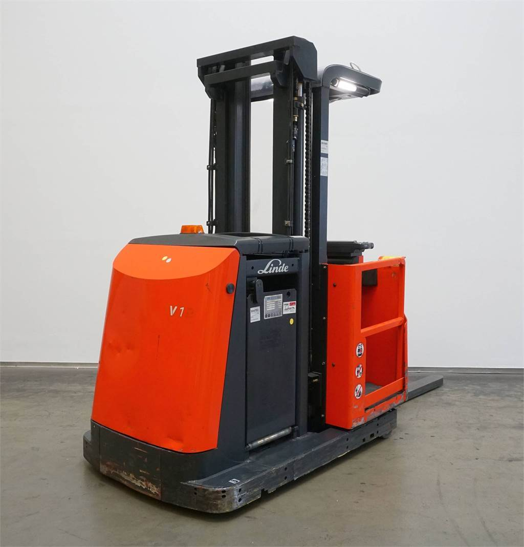 2009: Used Linde V 11/015 High Lift Order Picker Year: 2009