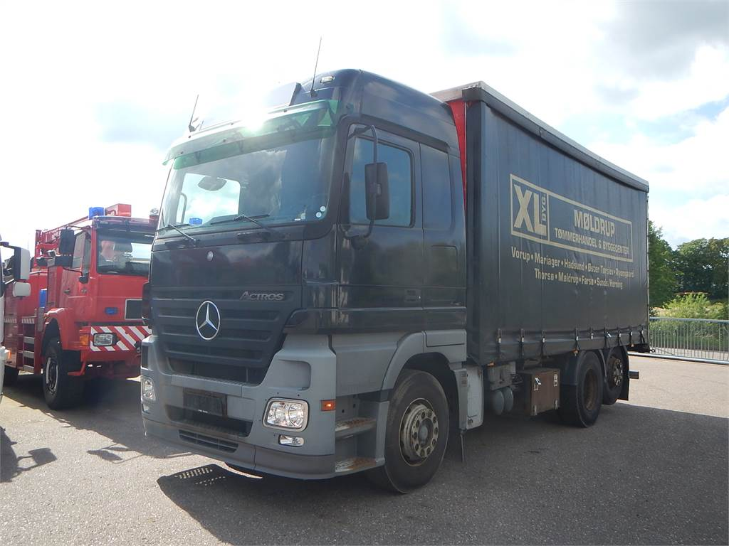 used mercedes benz actros 2544 curtain side trucks year