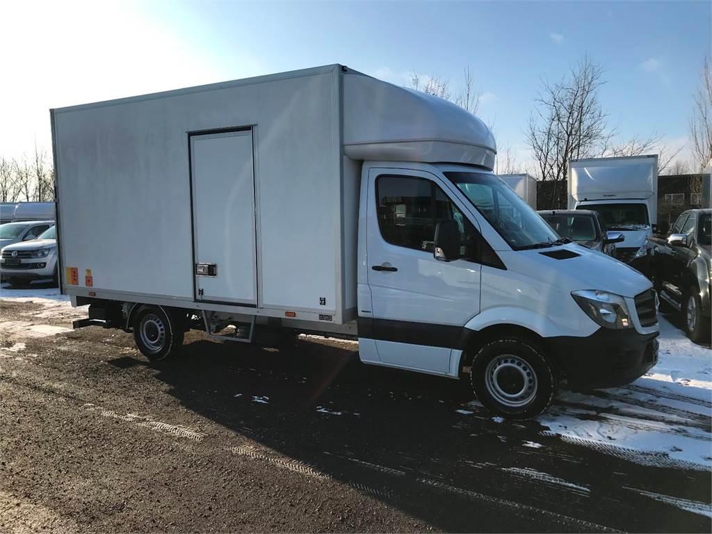 Used mercedes benz sprinter 316 panel vans year 2017 for Mercedes benz vans for sale used
