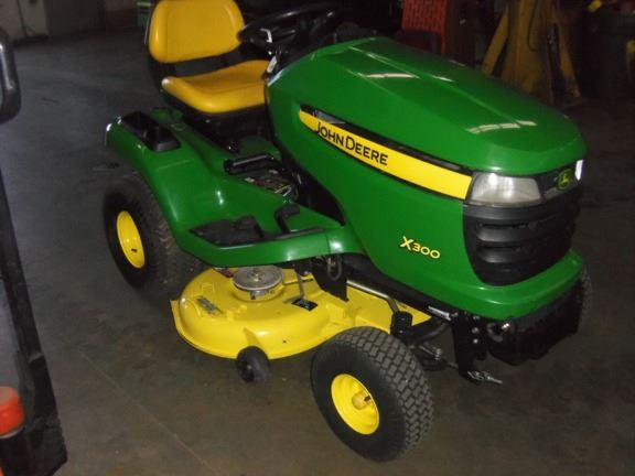 john deere x300 for sale wauconda il price 1 900 year. Black Bedroom Furniture Sets. Home Design Ideas