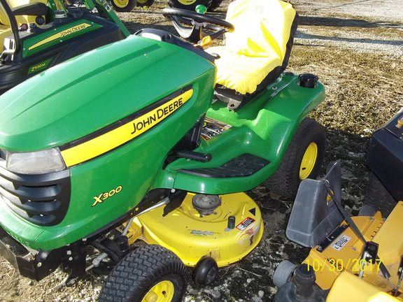 john deere x300 for sale jacksonville nc price 1 400. Black Bedroom Furniture Sets. Home Design Ideas