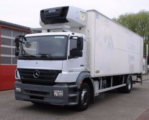 Used mercedes benz axor 1829 tiefk hlkoffer carrier 850mt for Mercedes benz f cell price