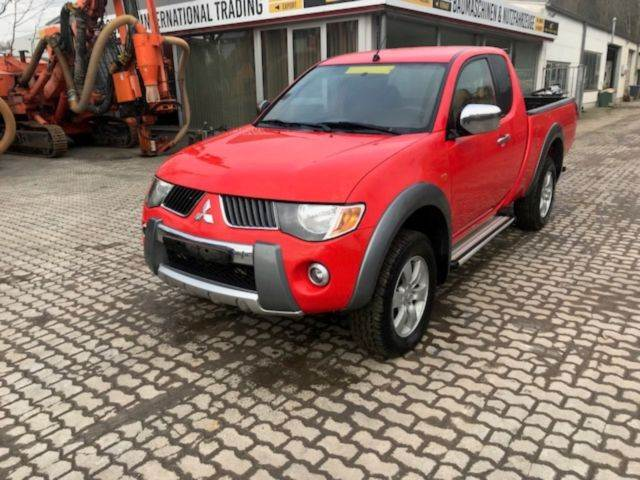 mitsubishi l200 pick up 4x4 intense club cab occasion prix 7 900 ann e d 39 immatriculation. Black Bedroom Furniture Sets. Home Design Ideas