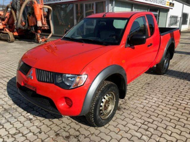 mitsubishi l200 pick up 4x4 intense club cab preis baujahr 2006 pkws gebraucht. Black Bedroom Furniture Sets. Home Design Ideas