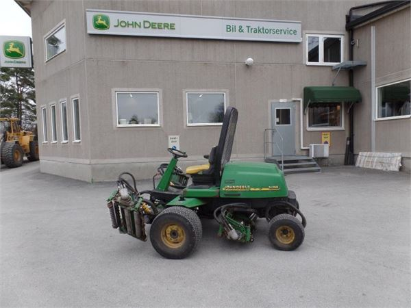 John deere 3235b occasion prix 3 530 ann e d for Prix espace vert