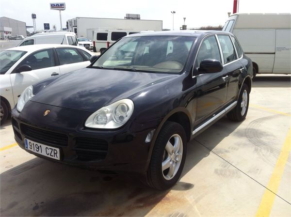 porsche cayenne s occasion prix 11 500 ann e d 39 immatriculation 2004 voiture porsche. Black Bedroom Furniture Sets. Home Design Ideas