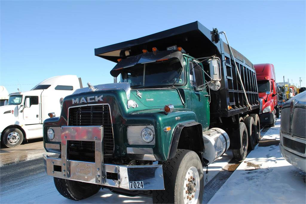 mack rd688s for sale covington tennessee price 20 000 year 1989 used mack rd688s dump. Black Bedroom Furniture Sets. Home Design Ideas