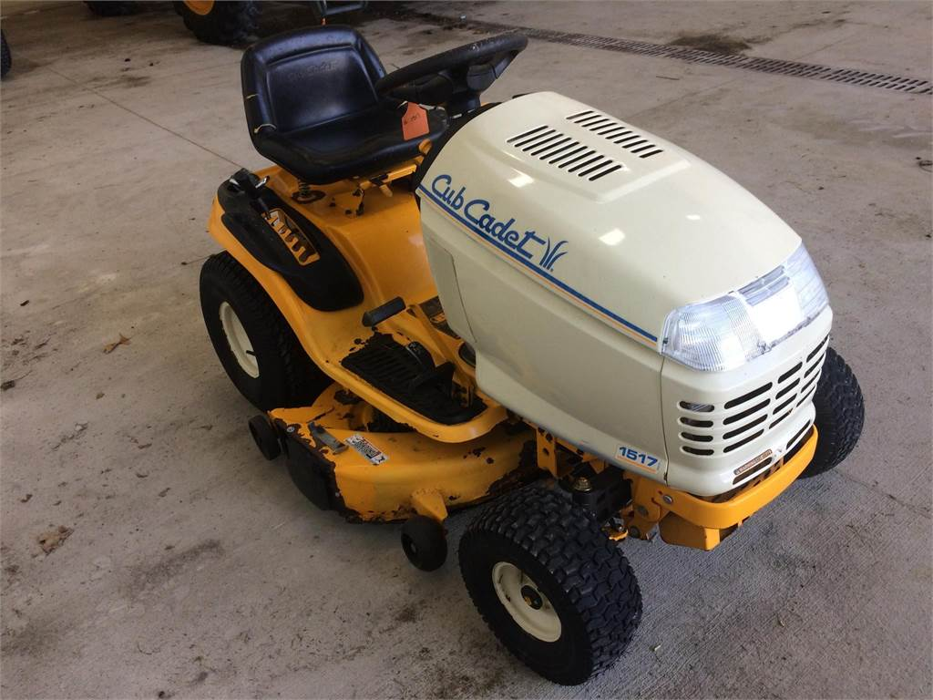 cub cadet 1517 for sale wabash indiana price 599 year 2002 used cub cadet 1517 riding. Black Bedroom Furniture Sets. Home Design Ideas