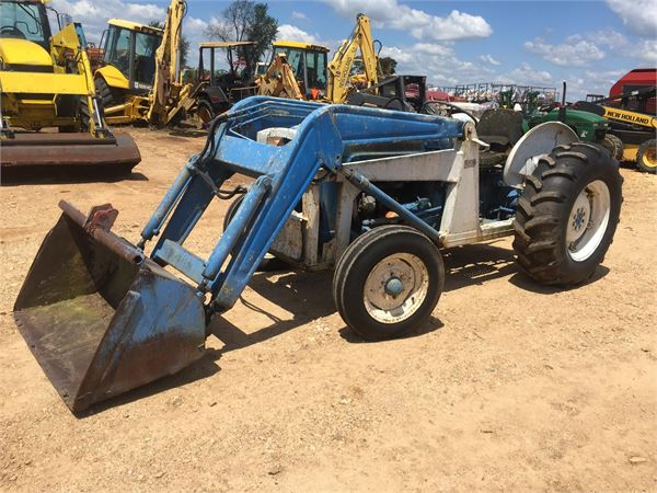 1963 Ford Tractor Model 2000 : Ford year tractors id d c mascus usa