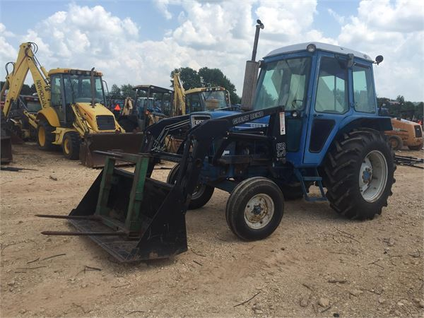 Ford 5600 Tractor : Ford year tractors id fb b mascus usa