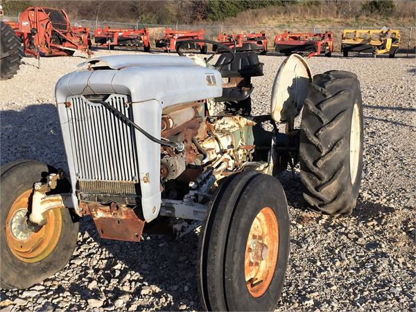1963 Ford Tractor Model 2000 : Ford tractors year of mnftr price r