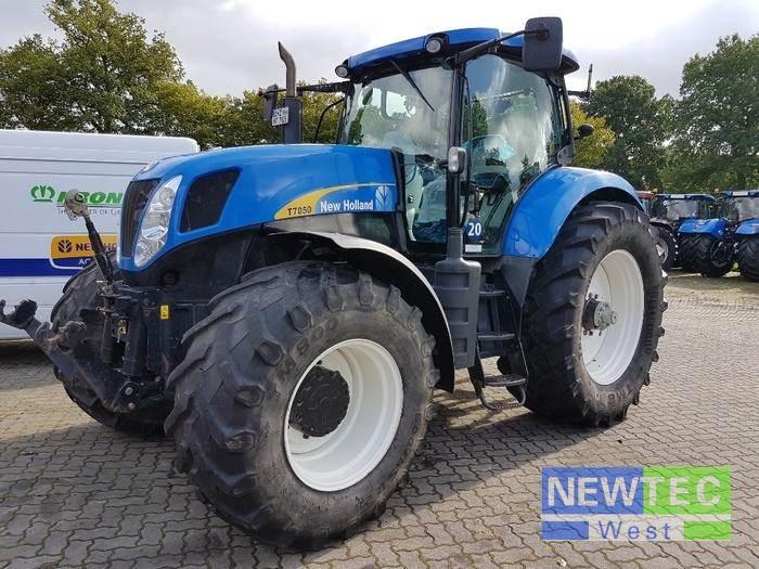 new holland t 7050 power command 2002 preis baujahr 2011 gebrauchte traktoren. Black Bedroom Furniture Sets. Home Design Ideas