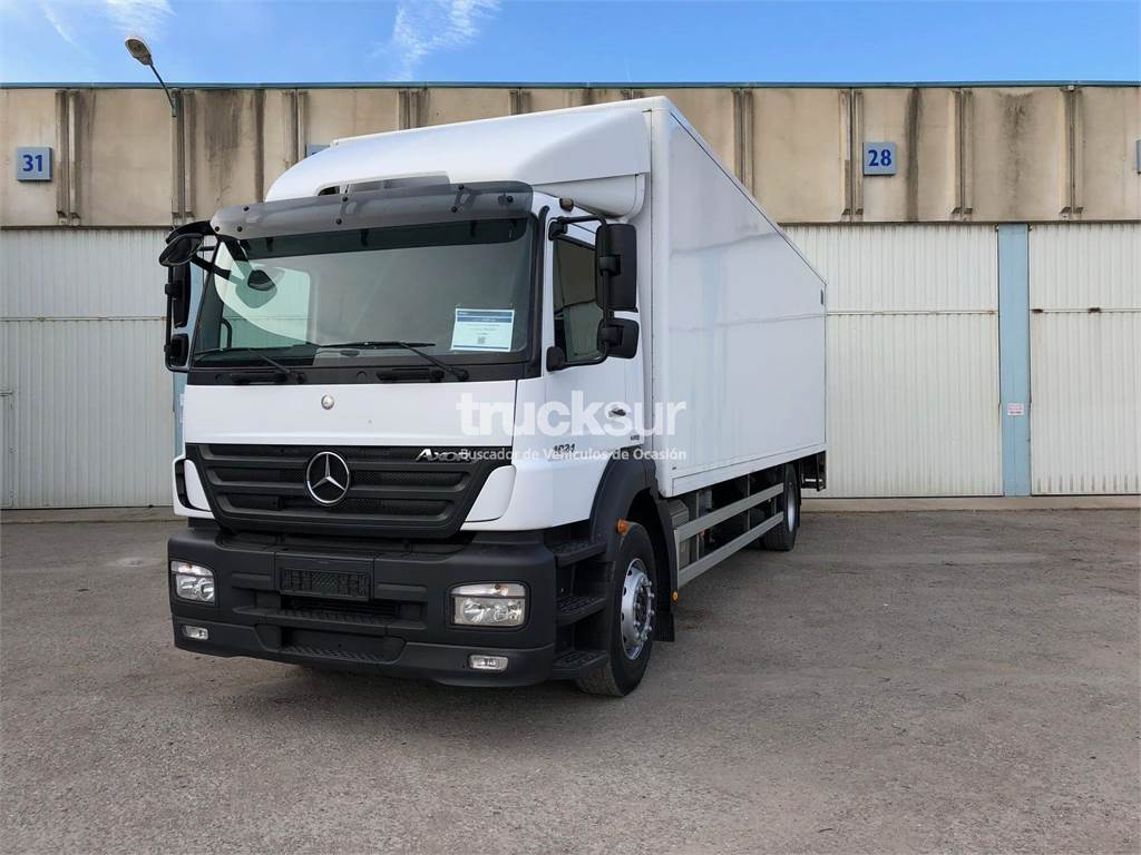 mercedes benz axor 1824 occasion prix 35 500 ann e d 39 immatriculation 2010 camion fourgon. Black Bedroom Furniture Sets. Home Design Ideas