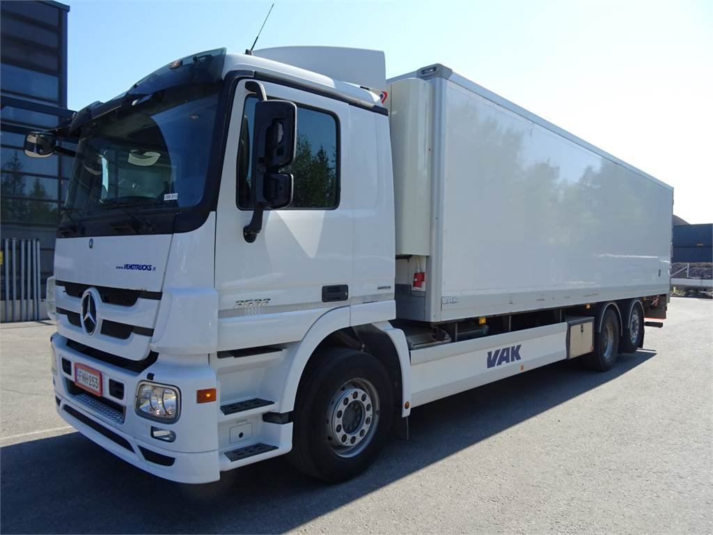 Used mercedes benz actros 2532l reefer trucks year 2012 for Mercedes benz actros for sale