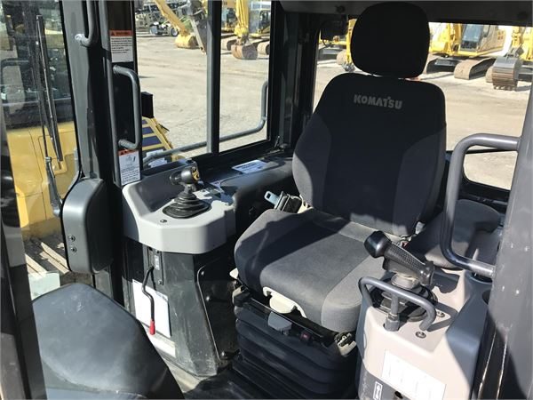Detail photo of 2016 Komatsu D39PX-24 from Construction Equipment Guide